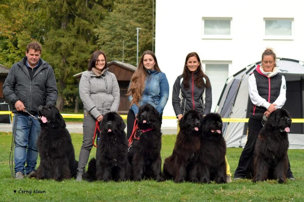 Anny s rodinkou. Táta Crash, Biba, Anny, Gobi, máma Arleta a bráška Ronny