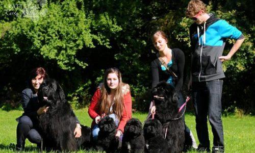 Anny s rodinou. Táta Crash, Anny, Gobi, Ronny a máma Arleta